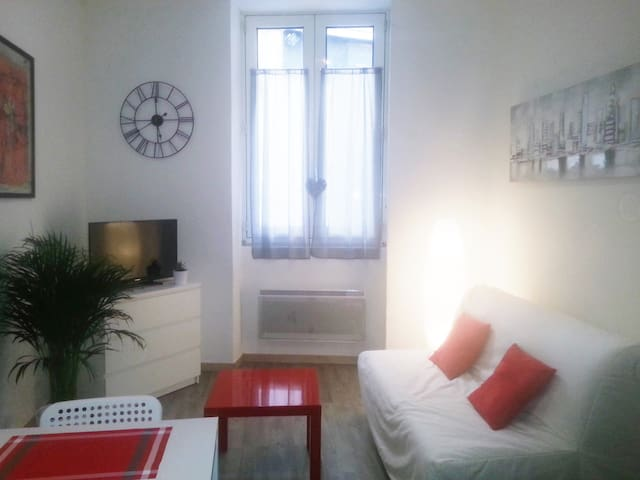 Charming studio in historic center of Arles