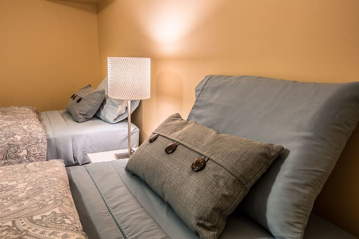Twin 1-Comfy Twin Bed in a Shared Room/House
