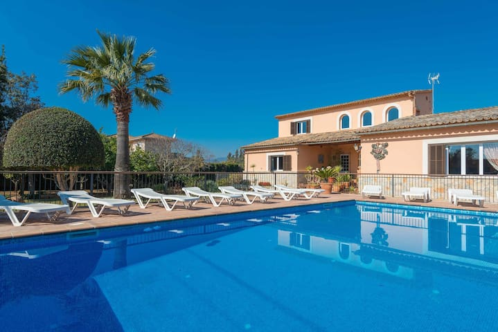 YourHouse Can Marçal - chalet with private pool and tennis court near Palma