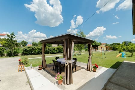 Villa Polly/5 rooms/12 person - Poličnik