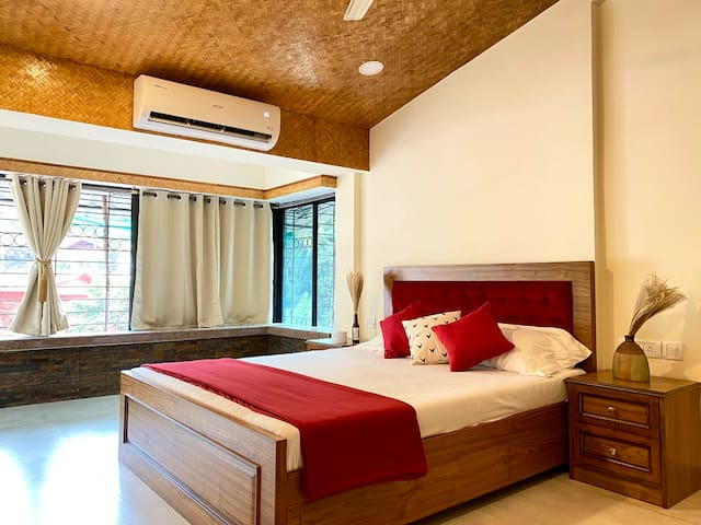 Bedroom 1: Cottage-inspired luxury room