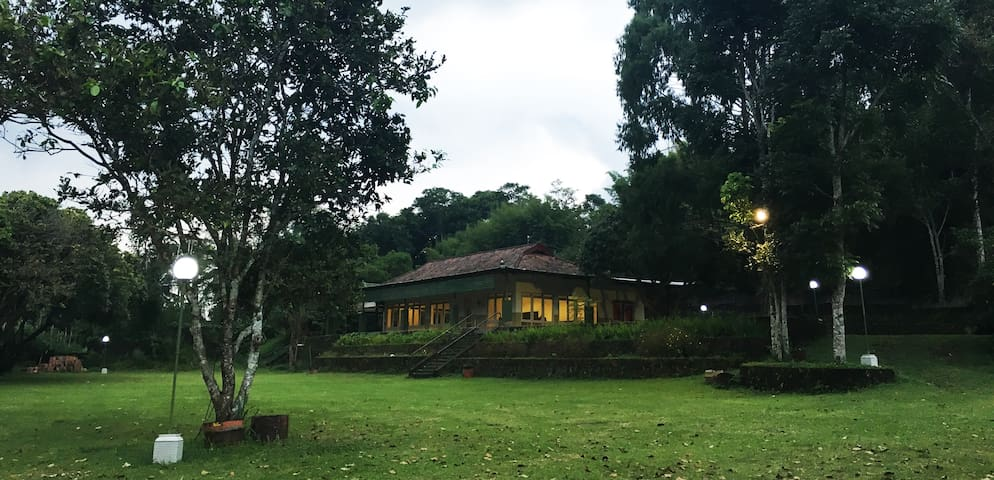 Willhouse Villa Kaliurang (One Room) - Pakem - Villa