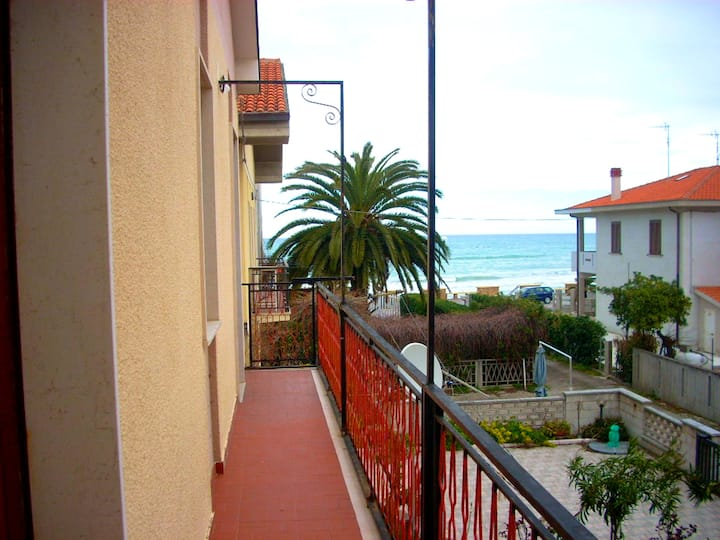 House with 2 bedrooms in Contrada Termini, with wonderful sea view and balcony - 3 m from the beach