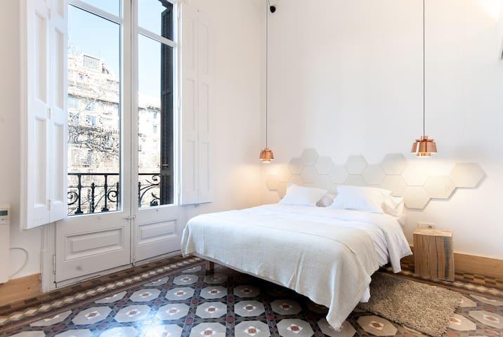 Double Room Balcony to Gran Via