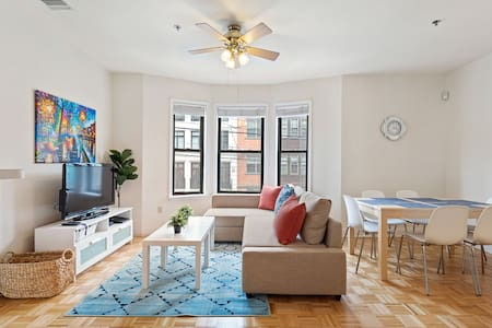 Spacious 2 bedroom in the heart of Hoboken!