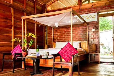 The River House at bamboo Cottages
