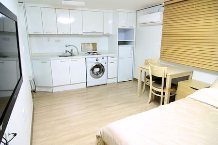 Quiet Private Room&Best Location_Sang-ji House - Gwangjin-gu - Haus