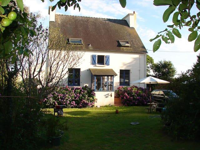 Charmant stenen landhuis - Trégourez - Casa
