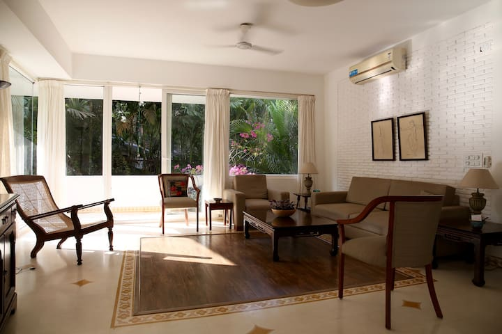 Sunny, airy, furnished apartment near Candolim - Reis Magos