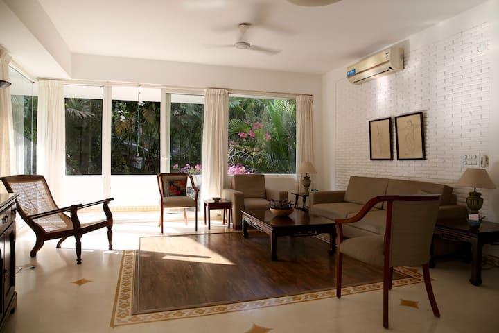 Sunny, airy, furnished apartment near Candolim