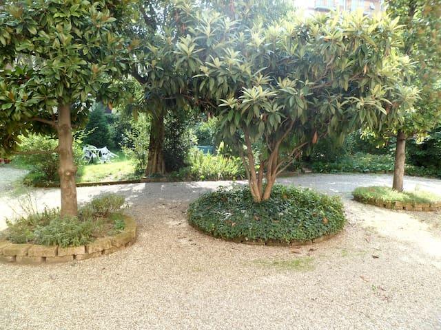 Cheap accomodation close to center - Modena - Apartamento
