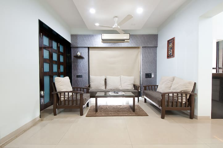 Gorgeous 3 BHK  Apt with Kitchen - Mumbai - Apartment