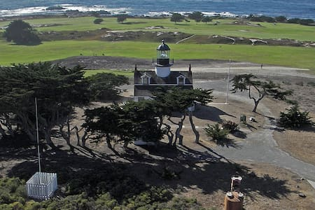 B&B, w/full menu, 2 blks to ocean, luxuries & golf - Pacific Grove
