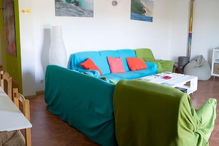 TU SURFHOUSE A PIE DE PLAYA (PANTN) - Pantín (Valdoviño)