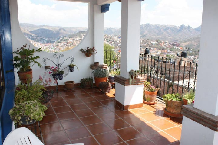 Amazing View, Beautiful Home, Deck - Guanajuato - House