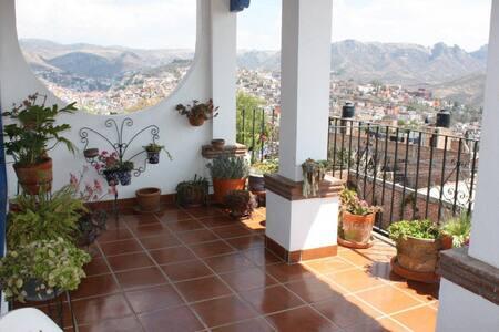Amazing View, Beautiful Home, Deck - Guanajuato - House