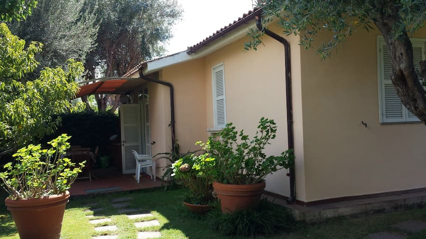 Villa al mare in comprensorio prv - Marina Velca - Villa