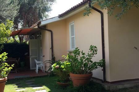 Villa al mare in comprensorio prv - Marina Velca