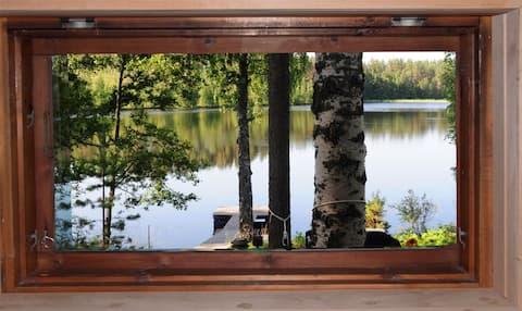 Small cabin and sauna near lake