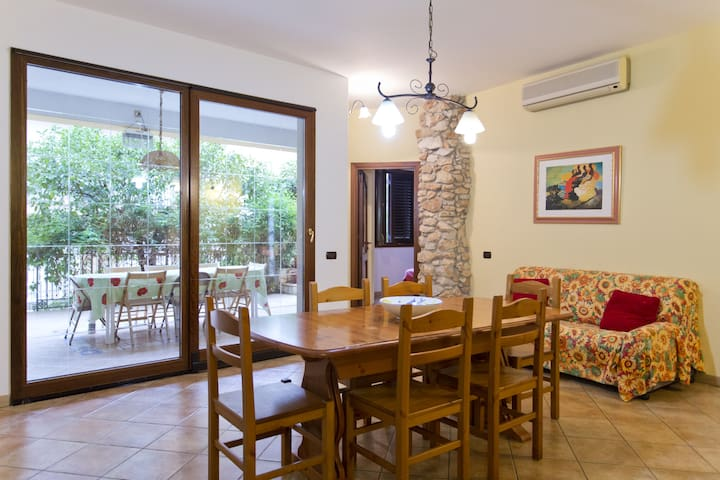 Orange Tree Garden Getaway - Torretta - Apartment