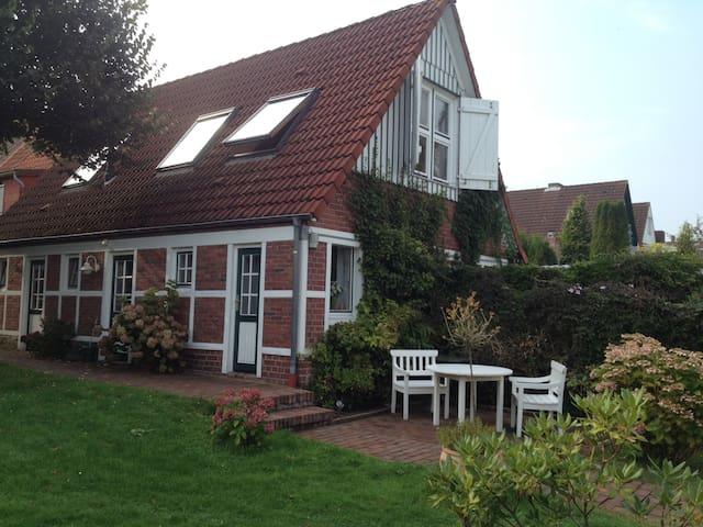 Gästehaus in idyllischer Deichlage - Neuhaus - Hus