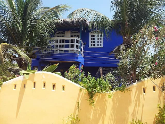 DESERT ROSE- PRIVATE VILLA, TROPICAL GARDEN, WIFI!