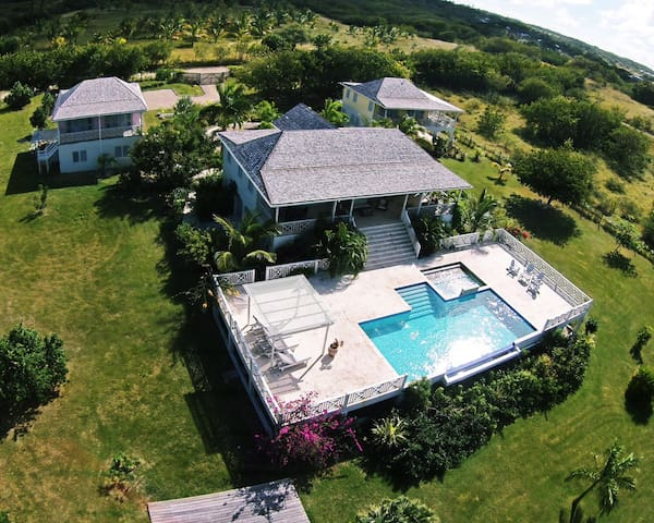 Waterfront Plantation Style Villa - St Johns