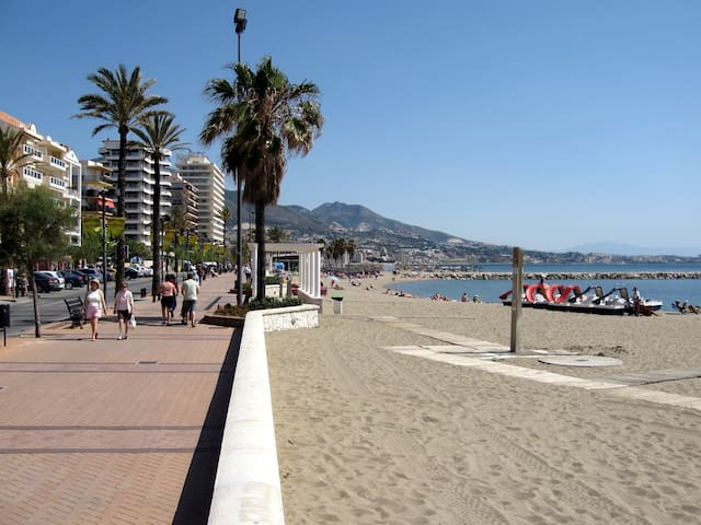 Apartment Central Fuengirola, 5' from beach