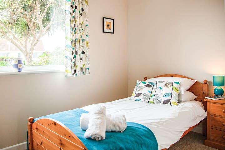 Ground floor single bedroom
