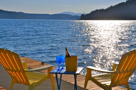 Hood Canal Gem! Views, Hot Tub & Oyster Beach! - Union - Ház