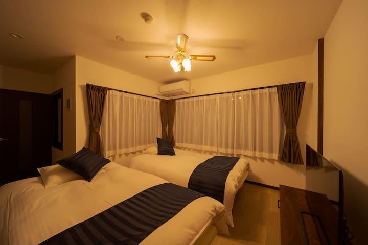 リビング ソファベッド Living room with sofa bed