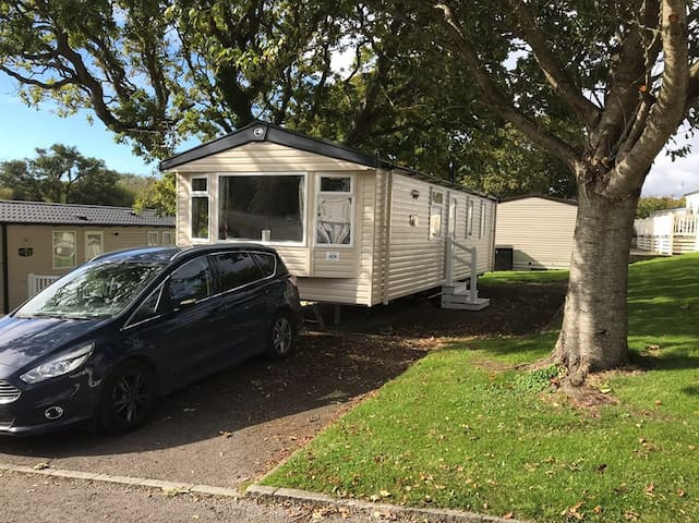 Beautiful 2 Bed caravan in Shorefeild County Park