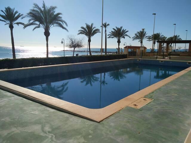 Apartamento en primera línea de playa.