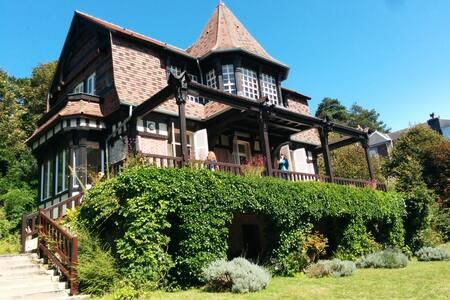 Villa de caractère - vue sur mer - Étretat