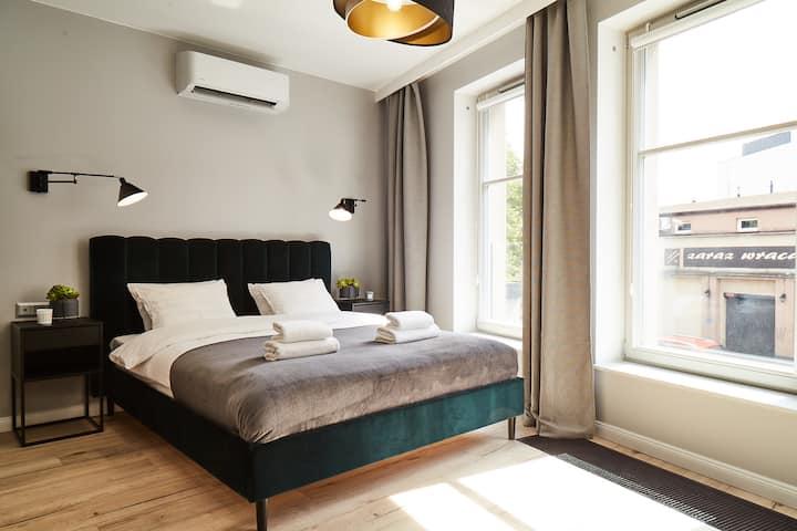 HOUSEHOST Apartament II:Miodowa Street