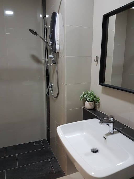 Spotless bathroom with shower