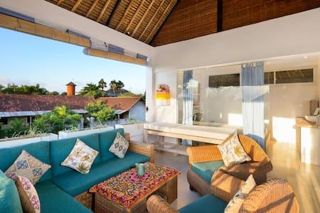 Villa Bunny - Luxurious Compact Villa - North Kuta - Haus