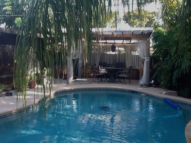 Tropical Paradise in Wilton Manors - Wilton Manors - Huis