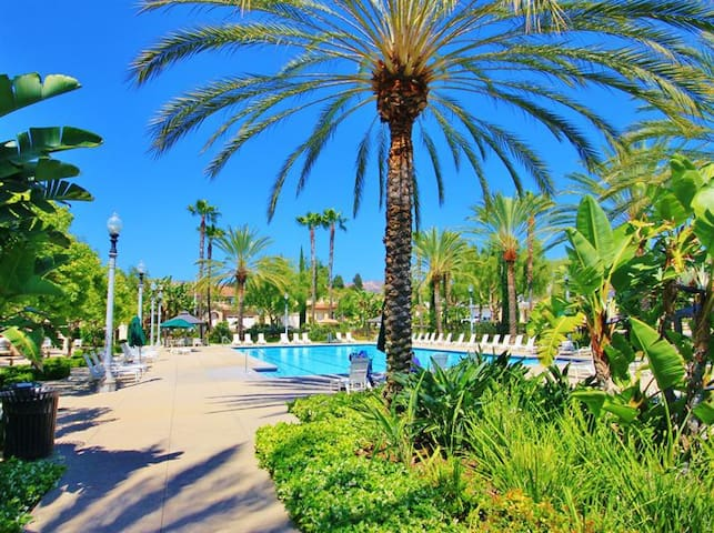 IRVINE'S BEST - RESORT LIKE LIVING - Irvine
