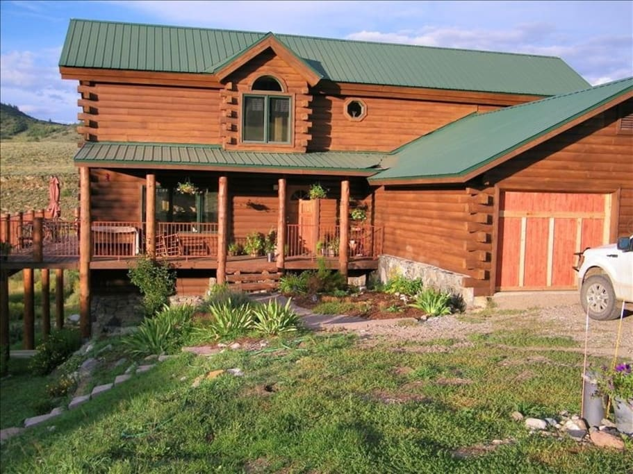Spacious rocky mountain log cabin houses for rent in for Steamboat springs cabins for rent