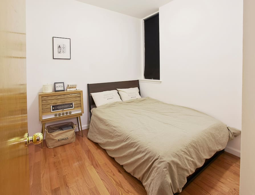 Ace Hotel Style 1br Orchard Delacey Apartments For Rent