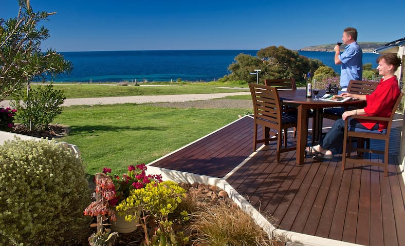 Enjoy Spectacular Ocean Views - Emu Bay - Huis