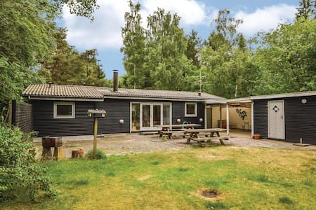 Holiday cottage with 3 bedrooms on 83m² in Rørvig