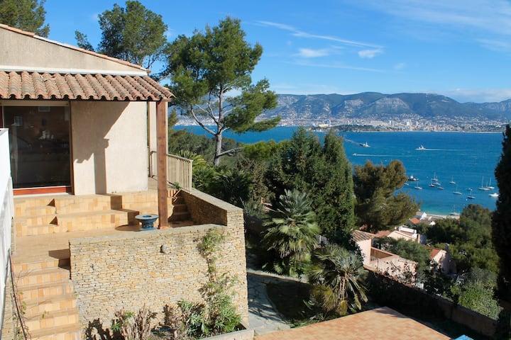 Villa de 6 chambres - piscine - vue sur la mer