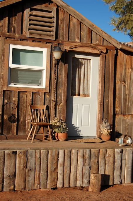 Tiny house cozy cabin by zion grand canyon bryce for Bryce canyon cabin rentals