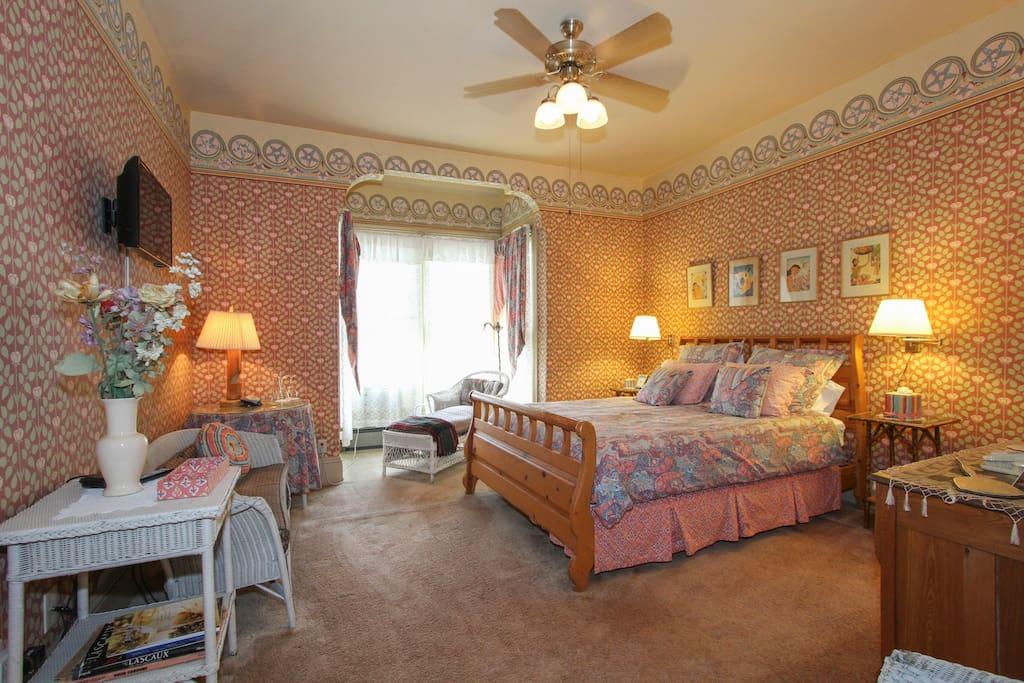 Briar rose room chambres d 39 h tes louer geyserville - Chambre d hotes le poteau rose ...