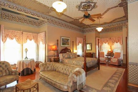 Sterling Suite Room - Geyserville