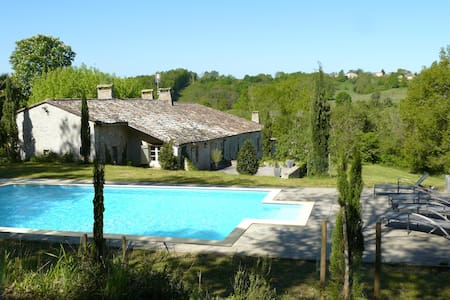 Charming house located  dordogne - Lamothe-Montravel
