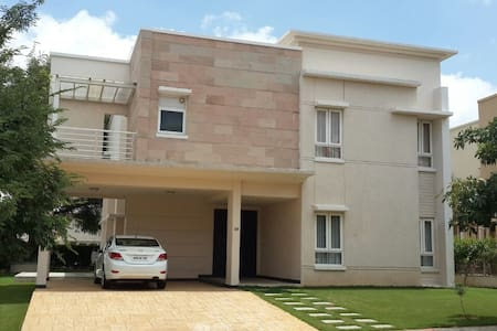 Villa @ Banyan Tree Gated Community - Hyderabad - Dům