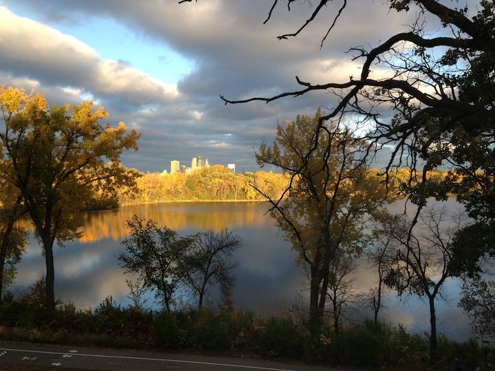 Luxury 1200 footer on Cedar Lake